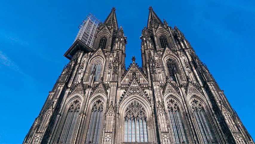 Dünyada gotik mimari örnekleri.