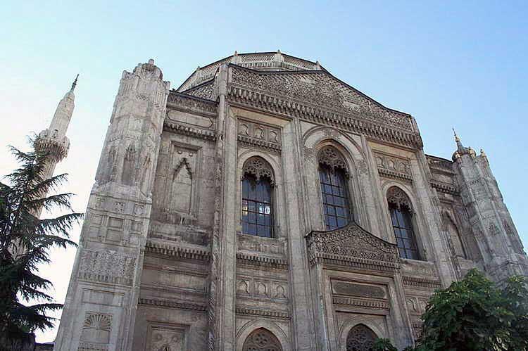 Türkiye gotik mimari akımı örneği.