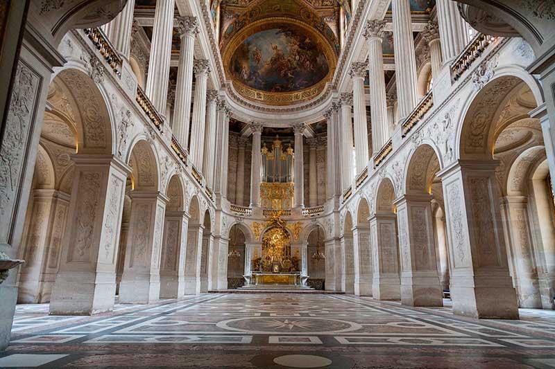 Versailles Sarayı iç mimari örneği.